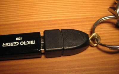 How to Make a Cheap and Easy USB Key Holder